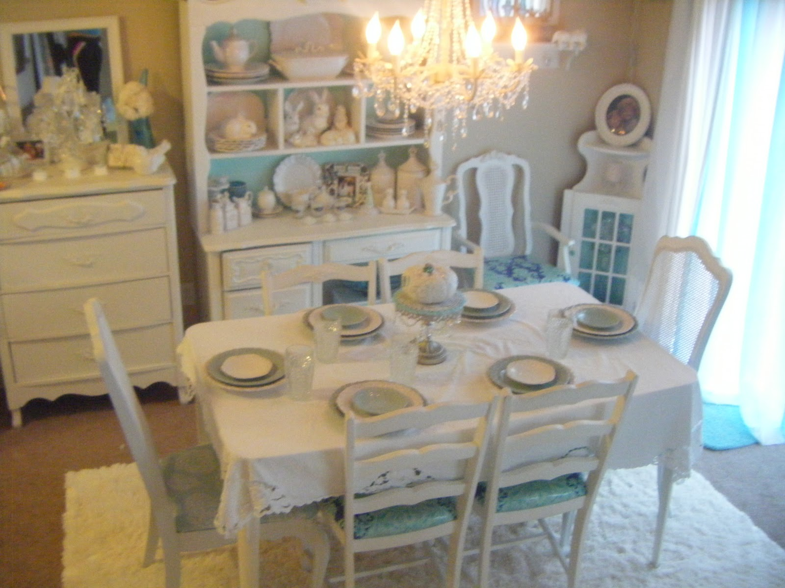 Not so shabby shabby chic dining room - Shabby chic dining rooms ...