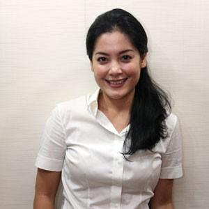 lulu tobing 10 ARTIS CANTIK INDONESIA YANG MASUK ISLAM