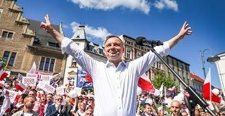 Președintele Poloniei: Nu adopțiilor în cuplurile homosexuale