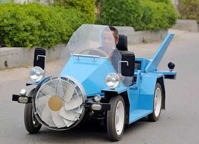 غرائب الصور : سيارة صينية تعمل بالرياح