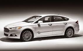 Confira a galeria de fotos e vídeos do modelo Ford Fusion 2015 e de suas versões