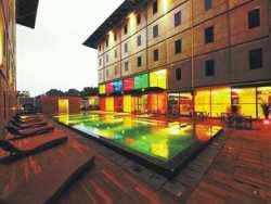Hotel Kolam Renang di Legian - POP! Hotel Kuta Beach