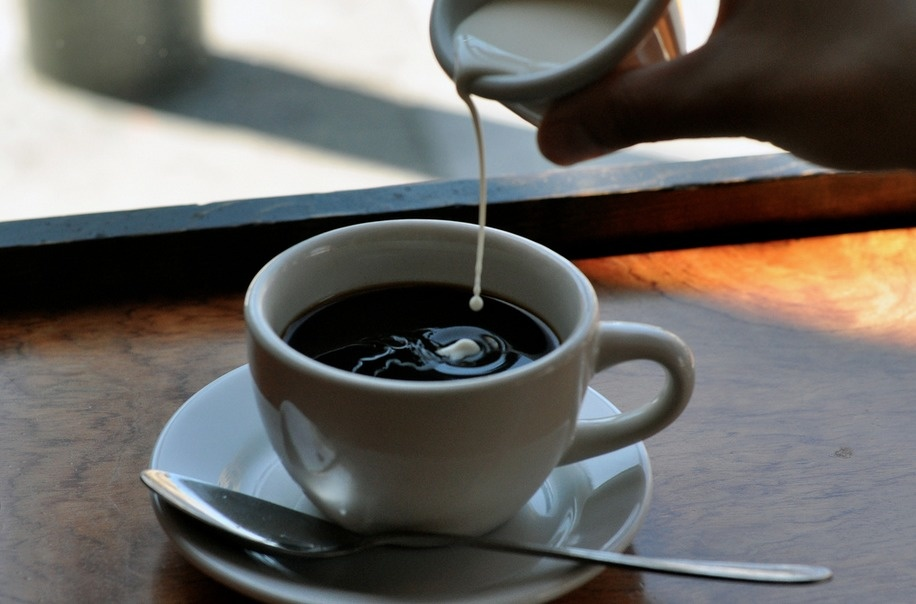 Adding cream to coffee will keep the drink warmer 20% longer.