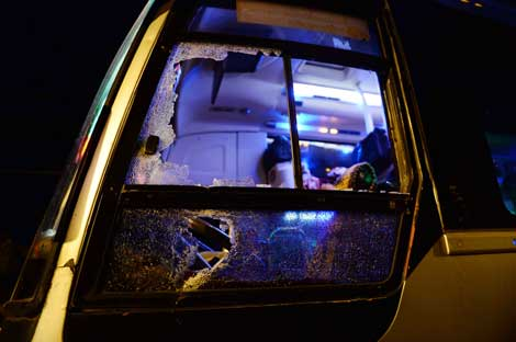 Nỗ lực ngăn chặn tình trạng ném đá xe khách trên tuyến đường Hồ Chí Minh qua Tây Nguyên