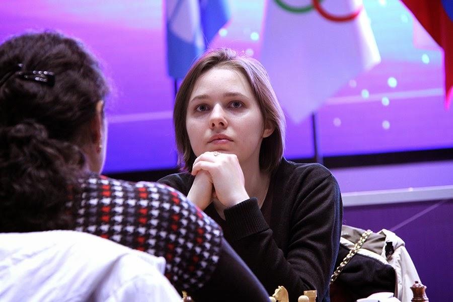 L'Ukrainienne Mariya Muzychuk qui s'est imposée 3,5-2,5 contre l'indienne Dronavalli Harika pour aller en finale - Photo © Eteri Kublashvili