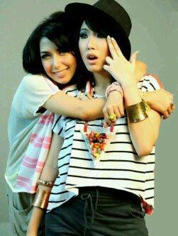 Foto Profil Personil 7 Icons Girlband indonesia | Vulkanisir-Dangstars ...