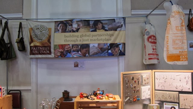 Top-of-the-Arch: FAIR TRADE MARKET (READY FOR HOLIDAY SHOPPING)