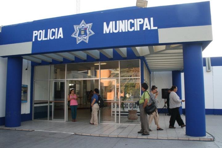 En la mira oficinas administrativas de policia y transito for Oficina de policia