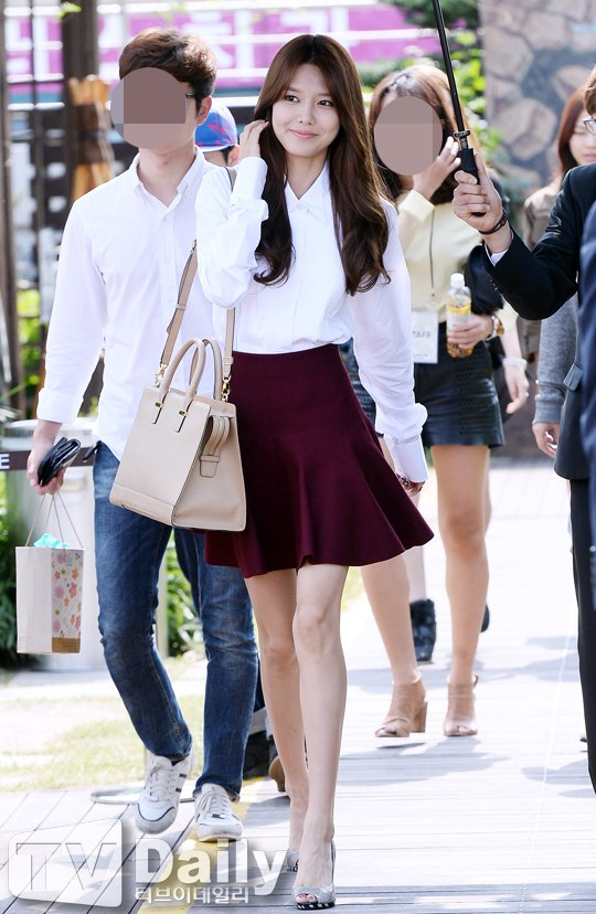 sooyoungs body couple months ago and now celebrity