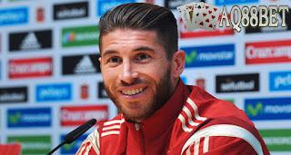 "Liputan Bola - Klub raksasa Inggris, Manchester United belum menyerah merekrut pemain belakang Real Madrid, Sergio Ramos. ""Setan Merah"" siap mengajukan penawaran yang lebih mewah kepada ""Los Blancos""."