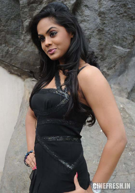 Karthika New Hot Stills Karthika New Hot Photos hot photos