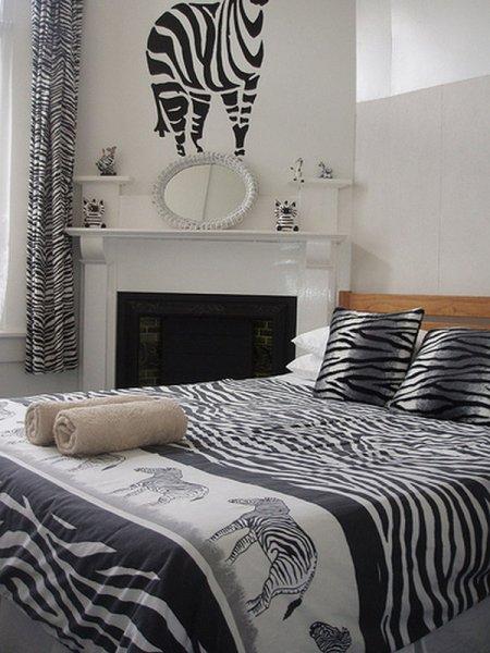 god in design august 2011. Black Bedroom Furniture Sets. Home Design Ideas