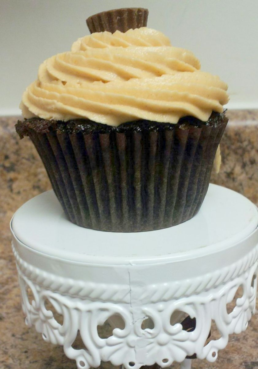 Boston Girl Bakes: Chocolate Peanut Butter Cupcakes