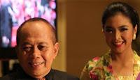 HEBOH! ARTIS DAN JUGA IBU MENTERI DI INDONESIA INI TERTANGKAP NGESEKS DENGAN ANAK TIRINYA