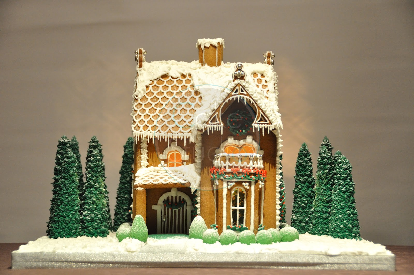 Victorian Gingerbread House Template A very lovely gingerbread