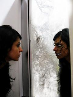 Dark art Renata no espelho
