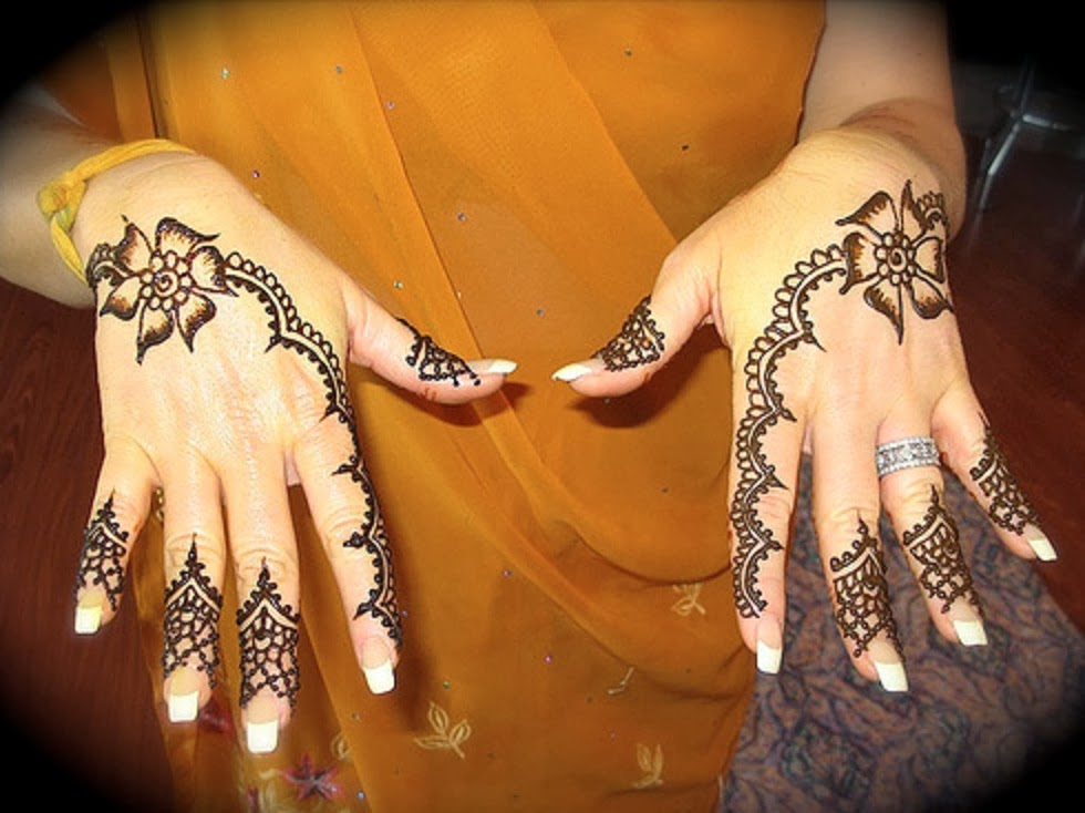 Mehndi Art Photos : Simple mehndi designs pictures