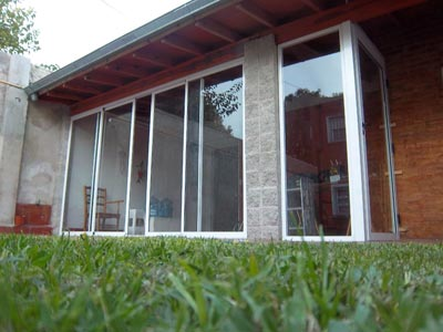 Cerramientos en porches villas cerramientos en le n - Cerramientos de aluminio para porches ...