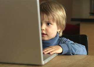 اثر الانترنت علي الاطفال