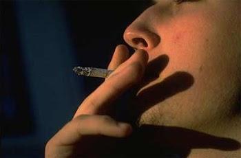 el fumador en peligro de muerte