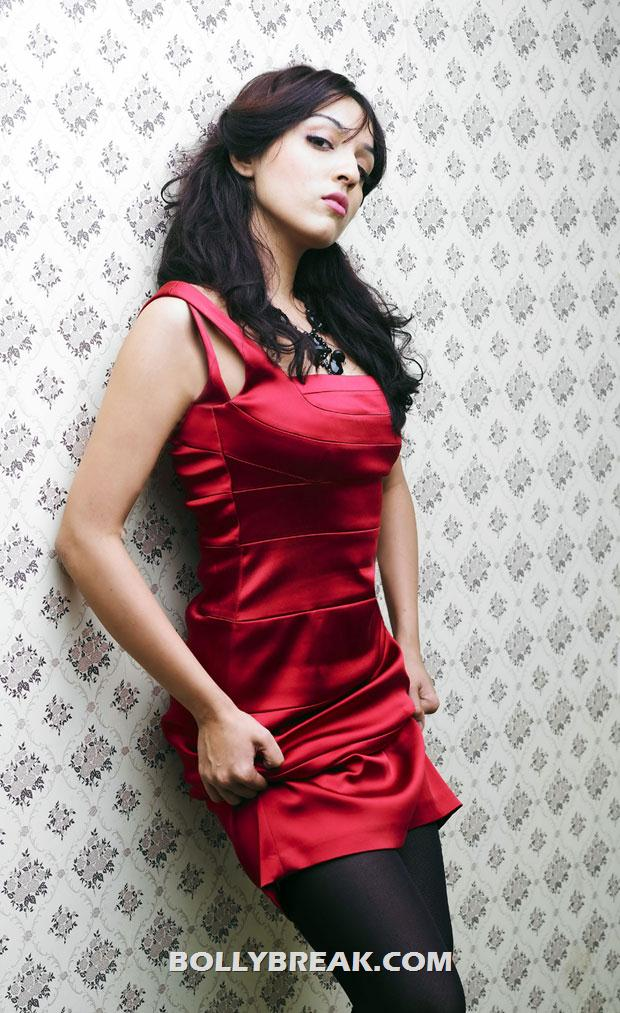 Lekha washington in red dress - Actress Lekha washington hot Pics