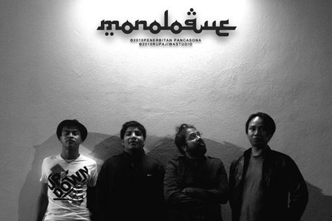 Monoloque feat. Azlina Aziz - Batu Belah Batu Konkrit (Bonda) MP3