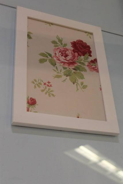 quadro com tecido floral