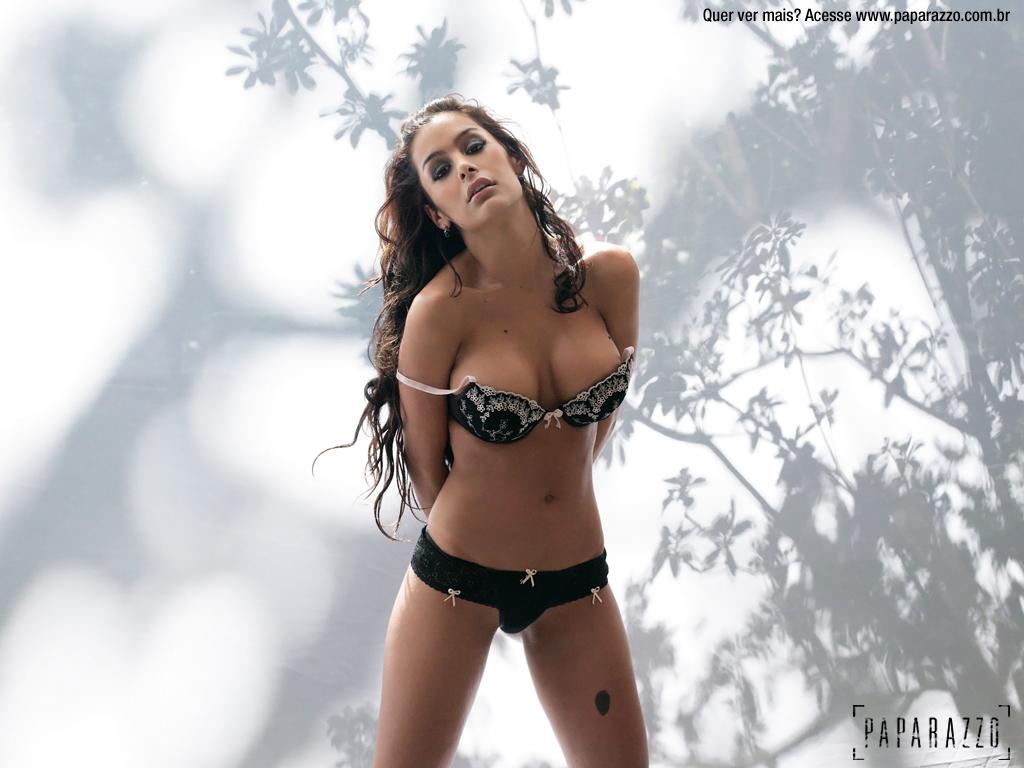 http://3.bp.blogspot.com/-En4Wb99SSrY/Tk_I2hFHkrI/AAAAAAAAHjM/HjJ1MWoDsIg/s1600/Larissa+Riquelme+Lingerie19.jpg
