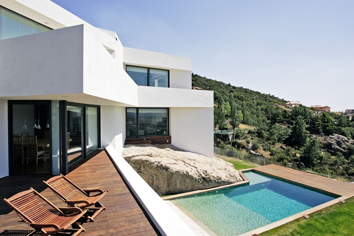 Swimming pool at El Viento by Otto Medem de la Torriente. 21. Modern House  ...