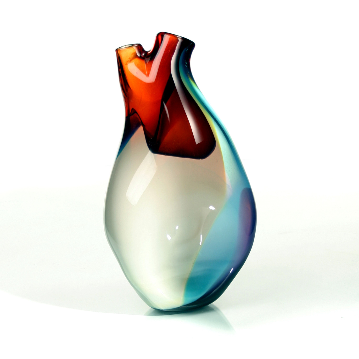Ventricle Vessel Shiny by Eva Milinkovic & Kriston Gene