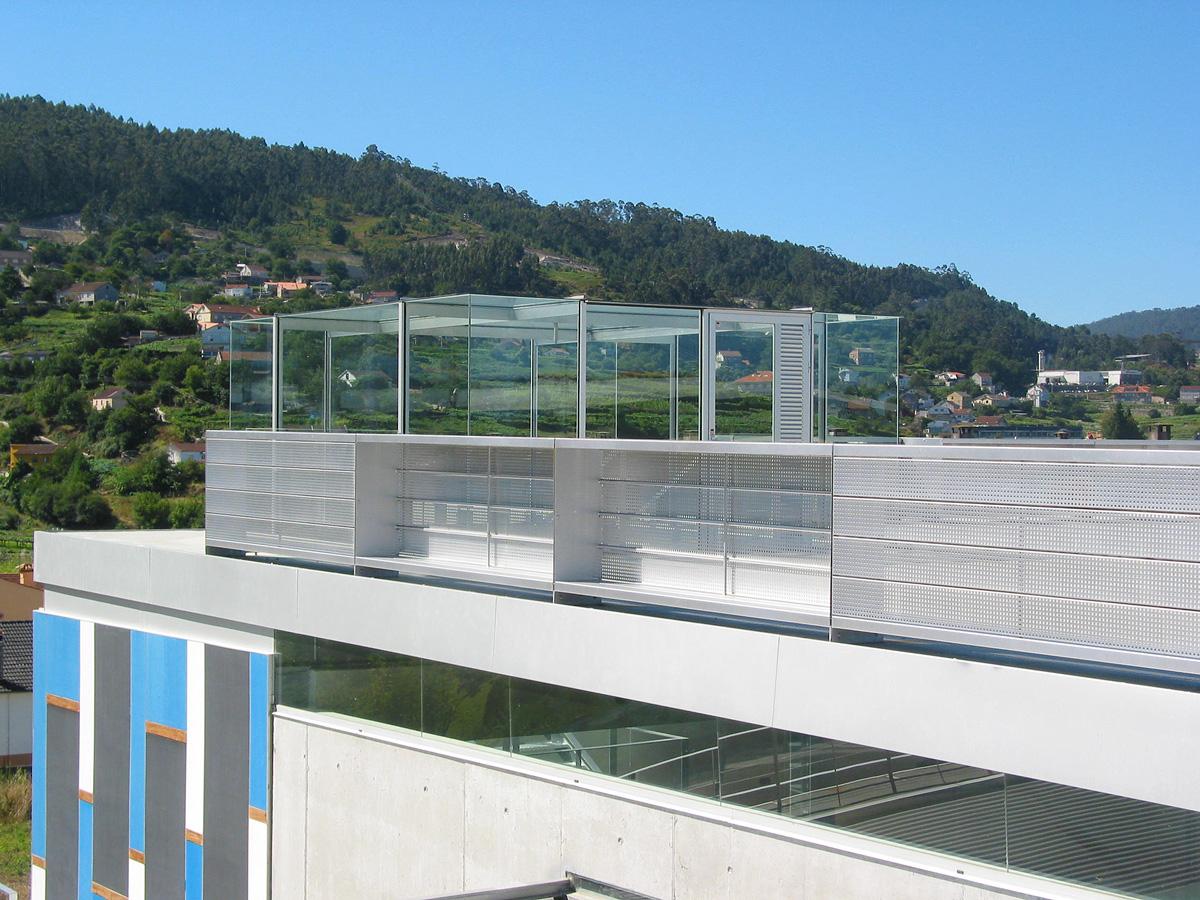 Nuevas arquitecturas piscina municipal en mar n for Piscina municipal vigo