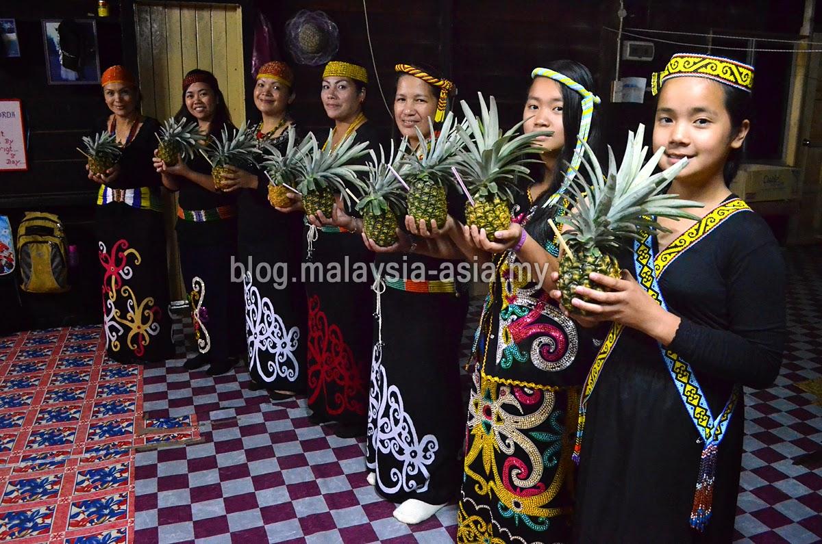 Bario Women