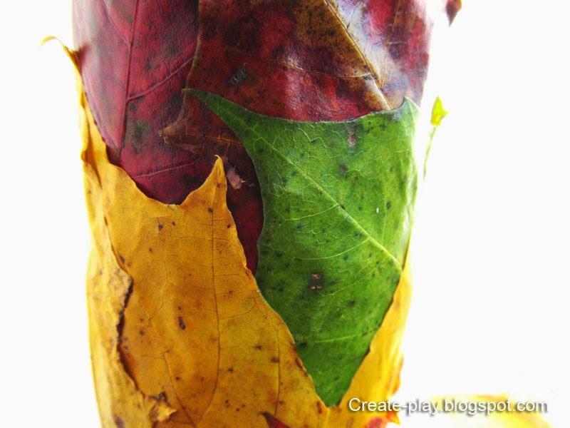 Ваза из осенних листьев
