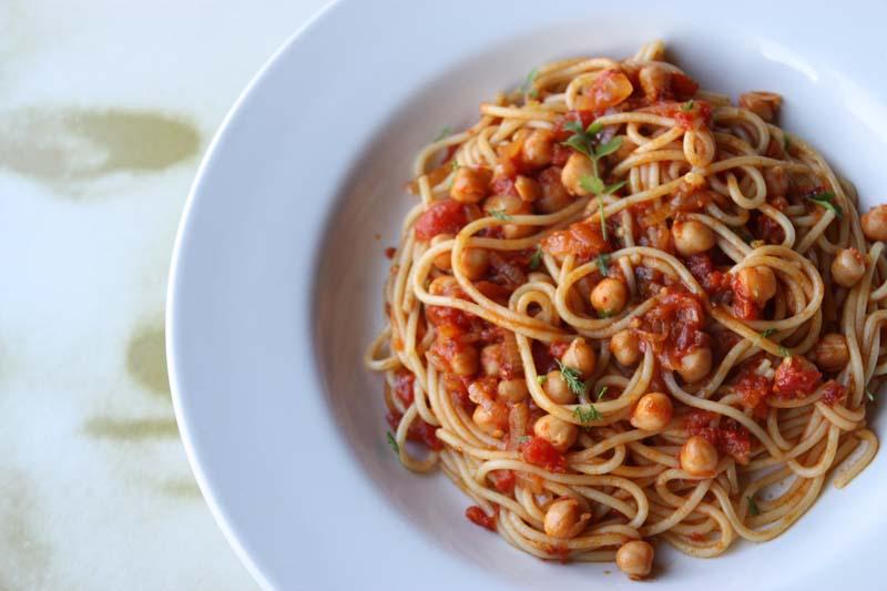 A2K - A Seasonal Veg Table: Spiced spaghetti with chickpeas