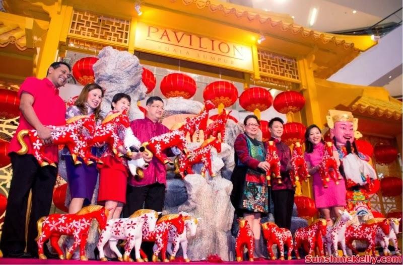 CNY 2014, cny, horses, Fortune Horses, Pavilion KL, chinese new year, 688 fortune horses, trail of fortune, gift of fortune, fortune charity, trial of fortune, shopping mall festive decoration