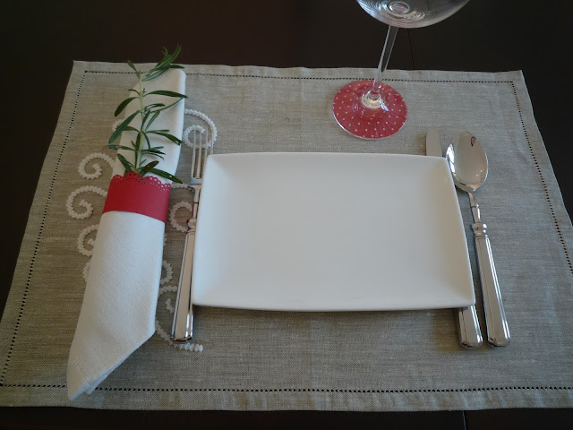 Simple table setting from BistrotChic