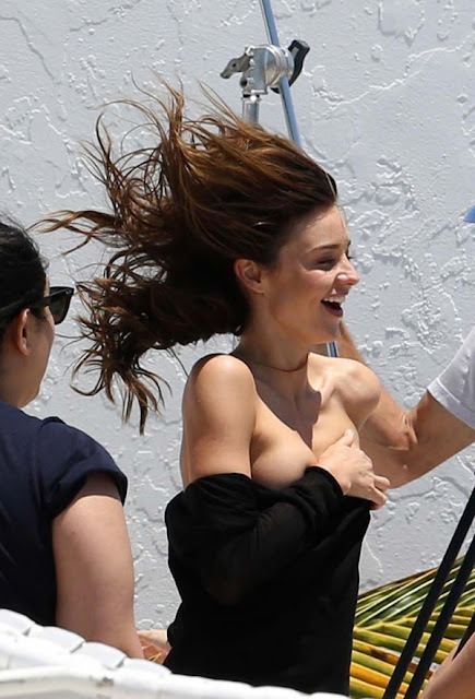 miranda kerr nipslip during photoshoot