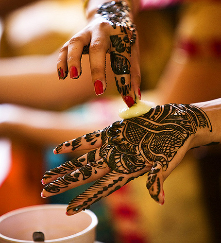 New Latest And Simple Mehndi Designs For Teenage Girls