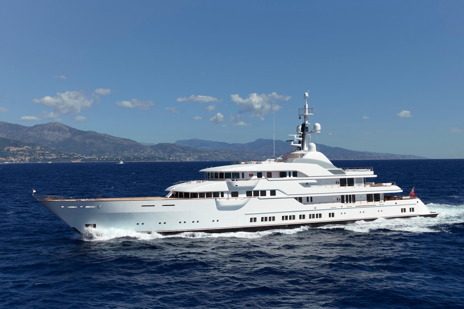 Superyacht HAMPSHIRE II