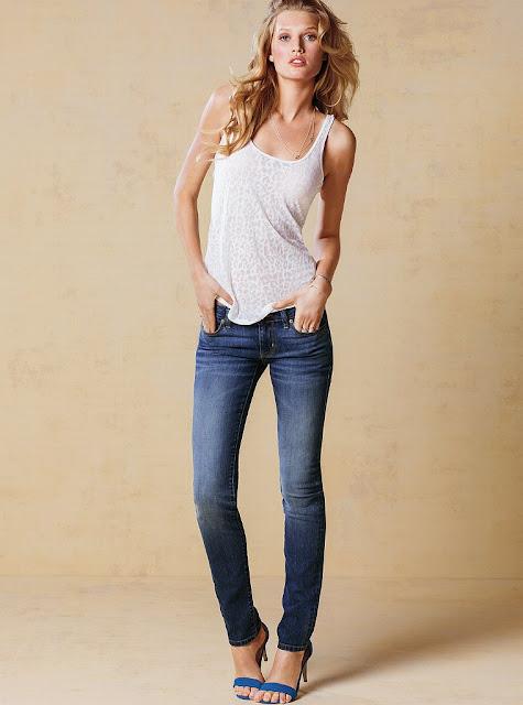 Toni Garrn in Jeans