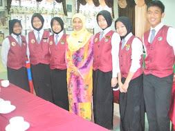 LAGI.... di Kuching.. SMK Tunku Abdul Rahman.