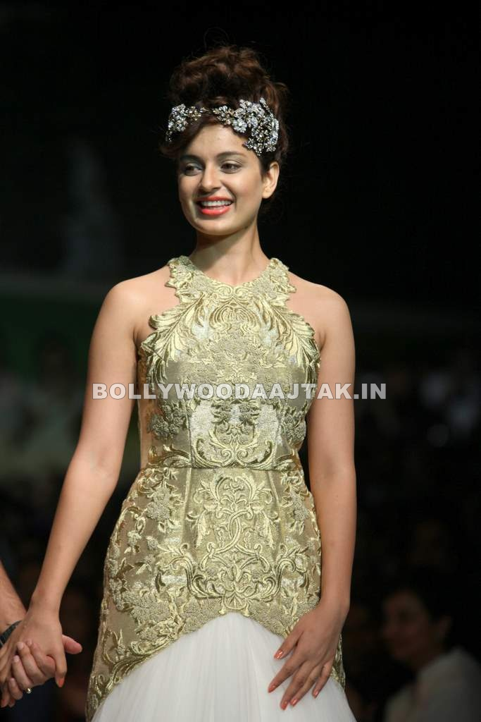 Kangna Ranaut1 - Kangna Ranaut Walks For Shantanu Goenka at Wills Fashion Week