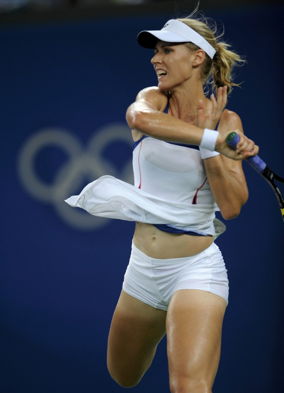 female nude tennis