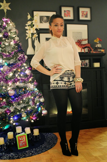 #tribal #tribalprint #printshorts #shorts #forever21 @forever21 #sheer #sheerblouse #shortsoutfit #Aldo #aldoshoes #ankleboots #aldoankleboots #streetstyle #holidayoutfit #holiday #outfit #ootd #christmas #christmasparty #party #partyoutfit #toronto #torontostreetstyle #torontofashion #fashion #fashionblogger #sashadoll #christmastree #style #trend #canadianstyle #srpskamoda #serbian #serbianblogger #blogerka #srpskablogerka #srpskeblogerke #moda #stil