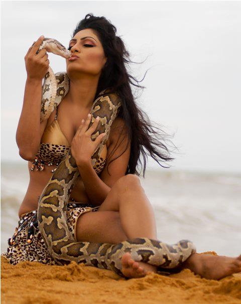Srilankan Bikini Girls Hot Pics