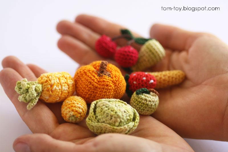 Miniature crochet food