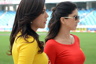 Hot Sunny Leone in Red