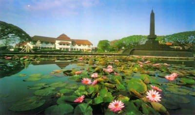 Berlibur Ke Kota Malang Film Social Dan Politik