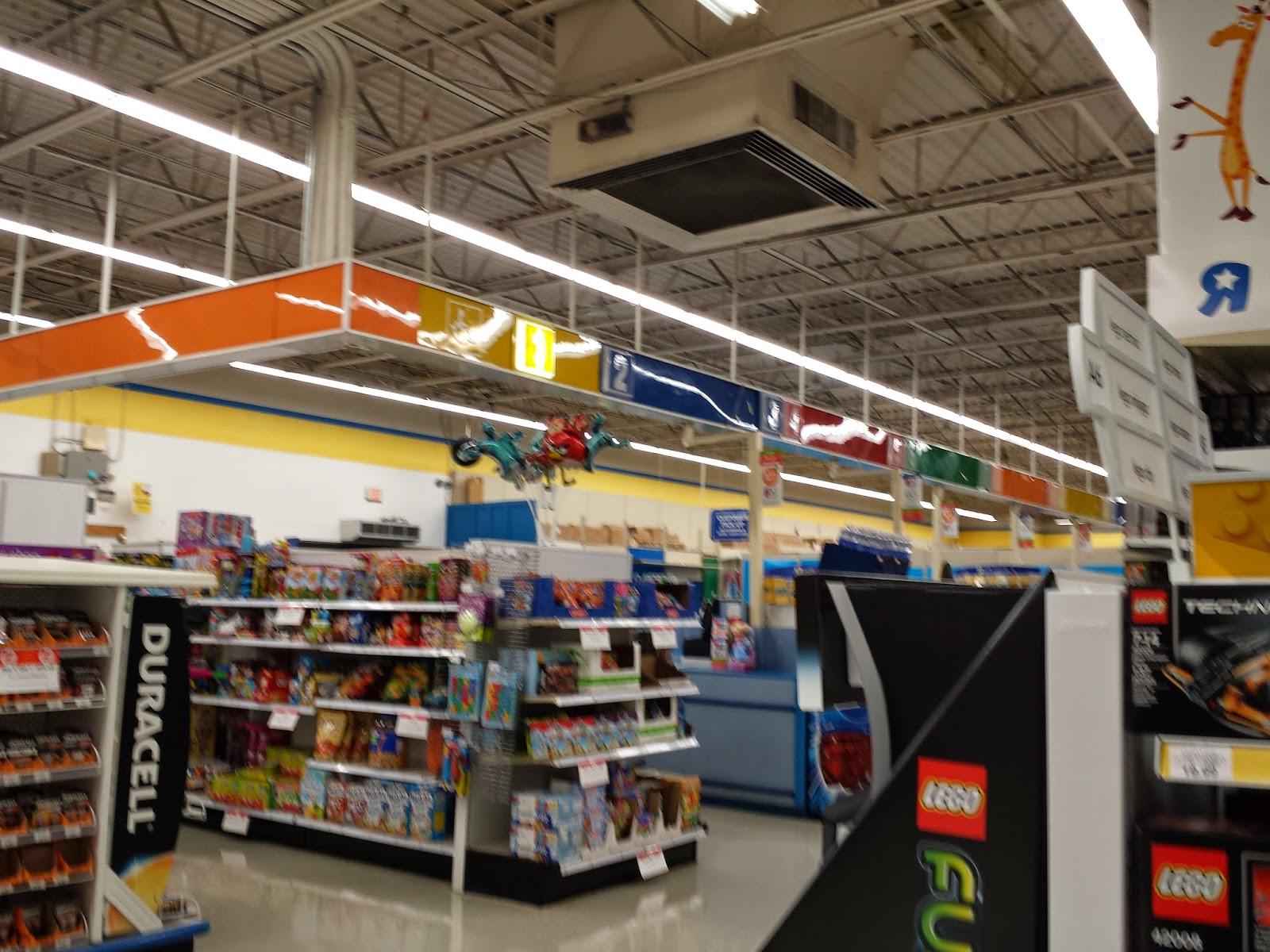 Toys R Us Store : Louisiana and texas southern malls retail retro toys