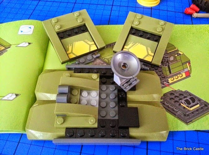LEGO TMNT Turtle Van Takedown Set 79115 Review vehicle build roof and side doors